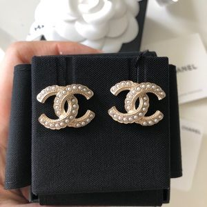 Chanel Classic Cc White Pearl Earrings